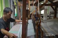 Pembuatan Kain Blongsong dengan ATBM