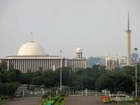 Masjid terbesar di Indonesia dan Asia Tenggara
