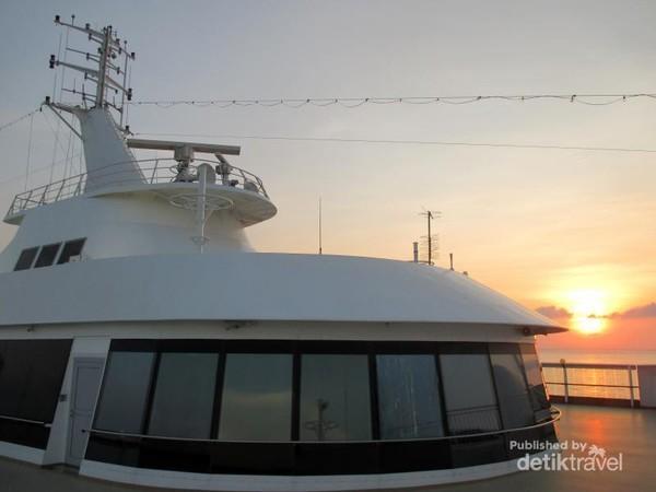 SS Virgo adalah salah satu kapal pesiar terbesar yang dimiliki oleh Star Cruises, sebuah perusahaan kapal pesiar yang berbasis di Asia dengan pusatnya di Hong Kong