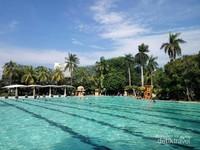 Kolam tanding dengan ukuran mirip kolam Olimpiade