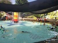 Kolam Apung untuk bersantai bermain bersama si kecil