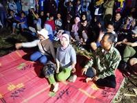 Bupati juga ikutan camping di sini, berbaur bersama warga masyarakat dan pengunjung