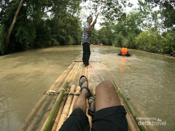 Bamboo Rafting, Way Kanan, Lampung
