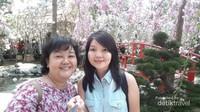 Dengan dukungan berbagai ornamen dan dekorasi, selfie di spot ini seperti berada di Jepang kan