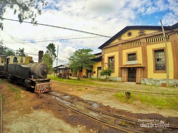 Melintasi area pabrik gula
