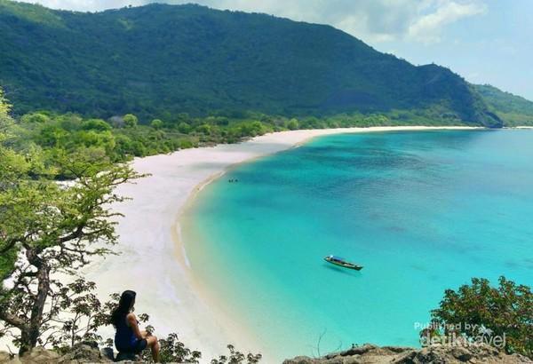 Pantai Lingal, salah satu spot terbaik untuk menikmati landscape Alor