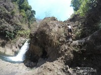 Cara trekking air terjun triban 2