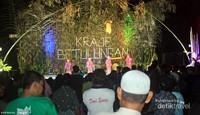 dari pagi hingga malam, acara festival Budaya Kedang Ipil sangat seru. para penonton tidak pernah bosan untuk mengikuti semua rangkaian acara yang diselenggarakan panitia.