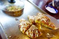 Okonomiyaki berisi gurita yang sudah matang