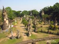 Budha Park dilihat dari atas bangunan berbentuk labu raksasa