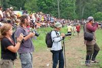 Terasa tak lengkap fotografer jika tidak pernah motret langsung di arena Pacu Jawi