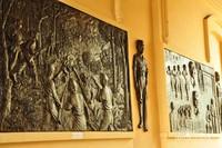 Relief perjuangan di dalam museum.