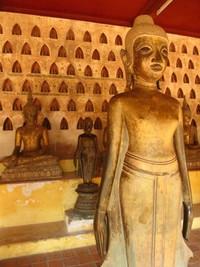 Wat Sisaket didirikan oleh Chao Anuvong, raja terakhir Kerajaan Lan Xang pada tahun 1818
