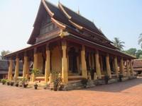 Wat Sisaket terdapat pagoda tertua di Vientiene