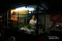 Kedai Sate Gurita Ajo Minang Tanjung di daerah Lhok Panglima, Sabang.
