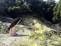 Jika traveler ingin melihat uap panas belerang keluar dari perut bumi, datanglah ke Gunung Jaboi.