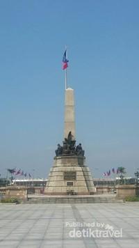Monumen Rizal sebagai penghormatan dari rakyat Filipina