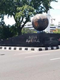 Tugu Asia Afrika yang didirikan tahun 2015 untuk memperingati ulang tahun KAA