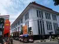 Kantor pos besar Bandung yang dibangun tahun 1863