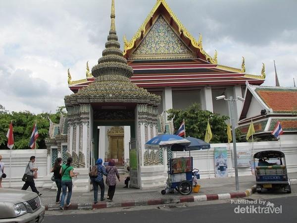 Bagian depan Wat Po