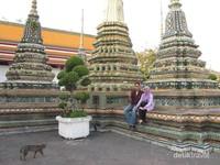 Bahkan sampai saat ini masih banyak orang yang belajar Thai Massage di Wat Po