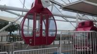 Wahana ini terdiri dari 32 unit gondola