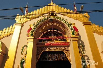 Kisah Pagoda Emas yang Menyimpan Helai Rambut & Gigi Sang Buddha