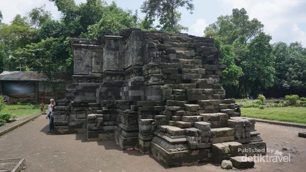 Candi Surowono yang masih berdiri