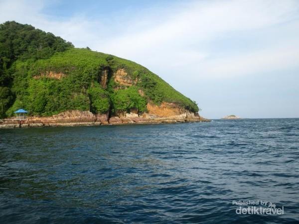 Pulau Salah Namo adalah salah satu pulau kecil yang ada di Selat Malaka.