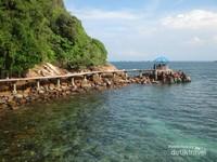 Pulau Salah Namo adalah salah satu destinasi wisata di Sumatera Utara yang terkenal akan keindahan alamnya.