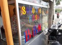 Kedai ini bernama Soto Mie Baso BBM