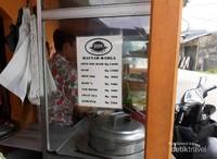 Daftar harga di kedai Soto Mie Baso BBM