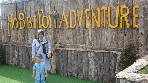 Untuk memasuki Hobbiton Adventure hanya dikenai tiket sebesar Rp.20.000 per orang