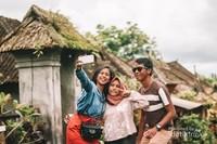 Kunjungan ke Desa Adat Penglipuran Bali ini kembali mengingatkan saya betapa indahnya Indonesia serta betapa kayanya budaya dan adat istiadatnya.