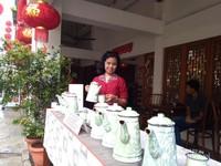 Patekoan mengandung arti kebersamaan lintas batas tanpa sekat. Selalu disediakan empat teko air teh manis dan empat teko air teh tawar berikut cangkirnya.