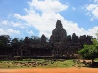 Candi Bayon terletak di Angkor Thom, pusat ibukota kerajaan milik Jayavarman VII