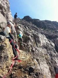 Membutuhkan skill tinggi dalam climbing