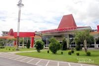 Bandar Udara Tambolaka, baru dan modern (dok pribadi)