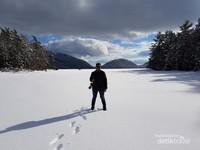 Eagle Lake yang membeku karena cuaca ekstrem