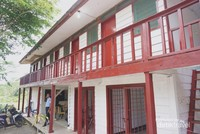 Bangunan penjara nampak terawat dengan bercat merah dan putih setelah direnovasi oleh Badan Otorita Batam