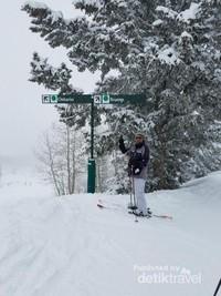 Ini petunjuk arah di lokasi Ski Steamboat Springs Colorado.