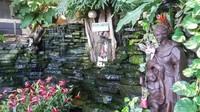 Hidden Garden dengan tanaman dan bunga yang menyejukkan