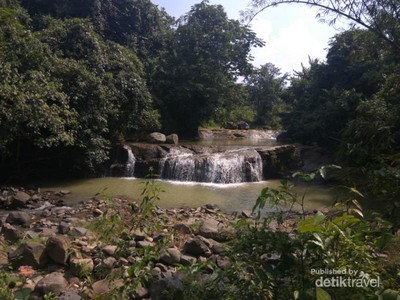 Tempat Main Basah-basahan Baru di Bogor: Curug Sedong