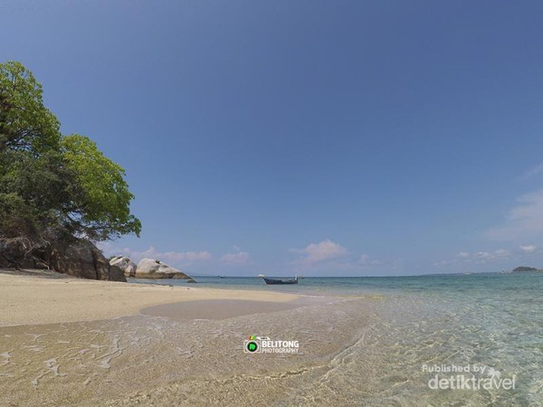 Pantai berpasir di Pulau Tukong Kik May