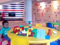 Tersedia ruang khusus bermain anak