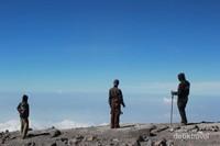Negeri di atas awan, Puncak Mahameru