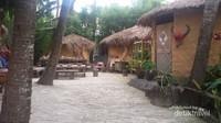 Rumah penduduk suku minoritas Li dan Miaw