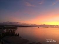 Sunsetnya tidak kalah indah dengan yang kita lihat di Jimbaran