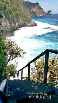Pemandangan yang sangat indah, dan cocok dikatakan sebagai surga tersembunyi di Nusa Penida
