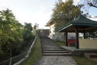 Anak tangga menuju Benteng Otanaha